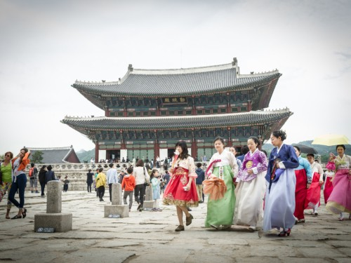One of our tour groups at Gyeongbok Palace wearing traditional Korean clothes known as Hanbok in Korean
