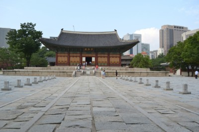 Looking at the beautiful Junghwajeon Hall inside Deoksu Palace in Seoul
