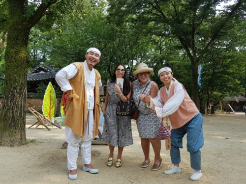 Actors wondering around the Korean Folk Village pretending to be people from the Joseon era