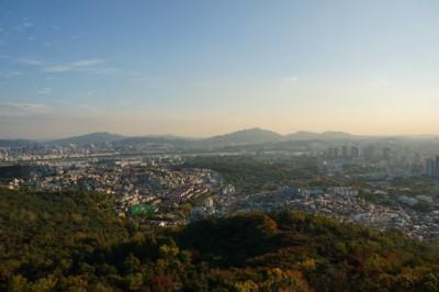 서울 타워에서 도시의 멋진 전망