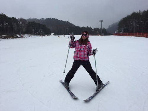 A lady skiing at Yongpyong Ski Resort