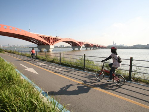 Biking along the Han River in Seoul